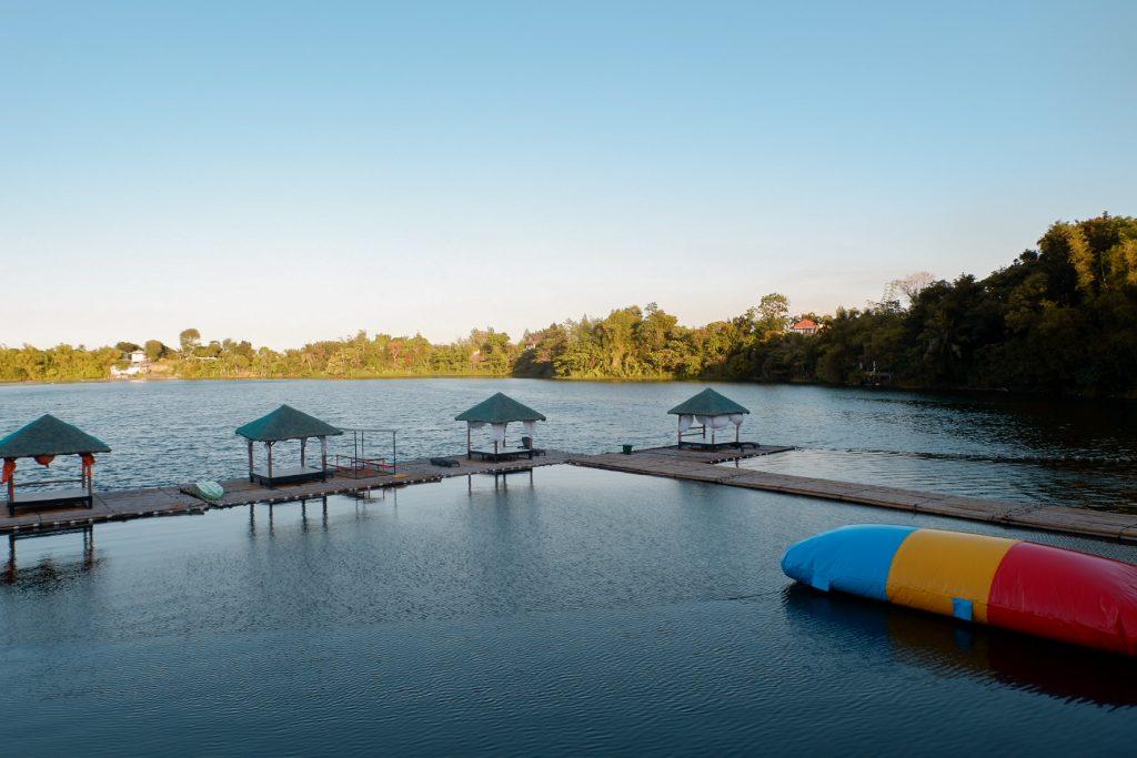 "ALT=""laresio lakeside resort and its stunning lake"""