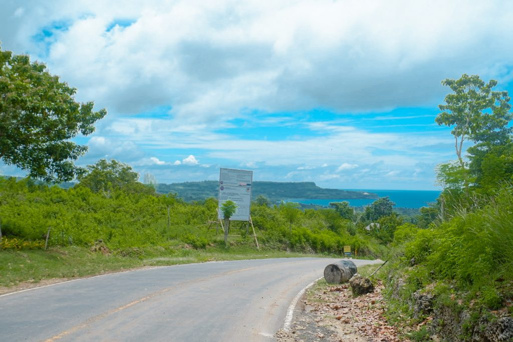"ALT=""siquijor travel guide with its clean road"""