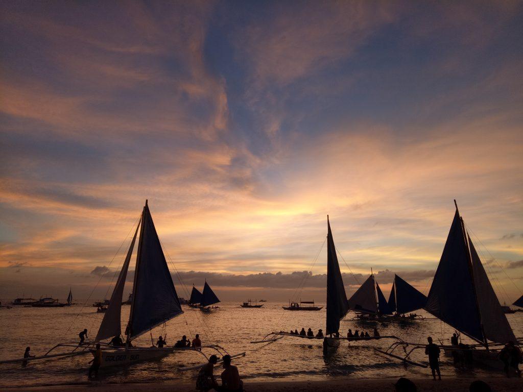 """ALT=""""sunset at boracay island panay"""""""