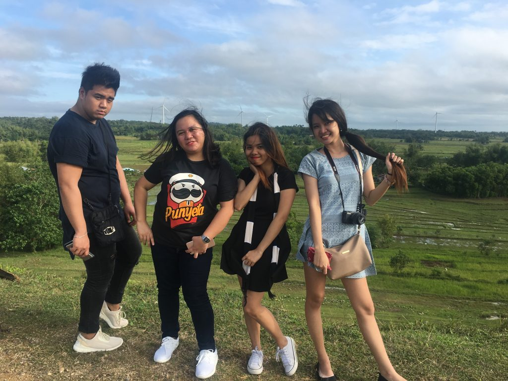 "ALT=""out of town guimaras travel friends"""