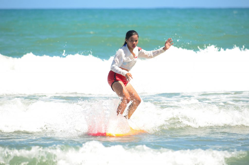 "ALT=""baler travel guide things to do surfing"""