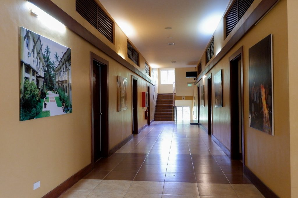 "ALT=""these rooms of the shalom hotel are good for big groups"""