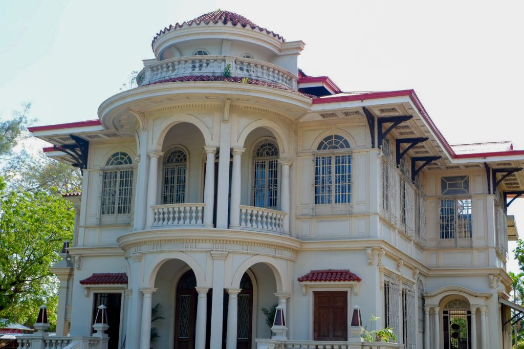 "ALT=""the beautiful molo mansion western visayas"""