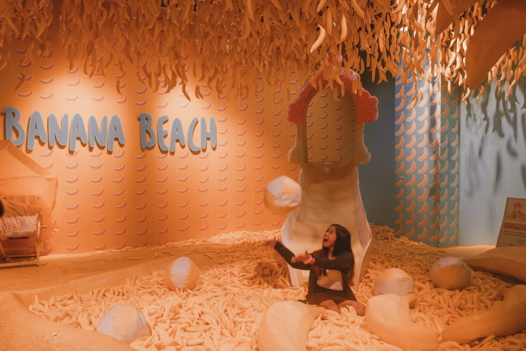 "ALT=""the dessert museum and the happy banana beach"""