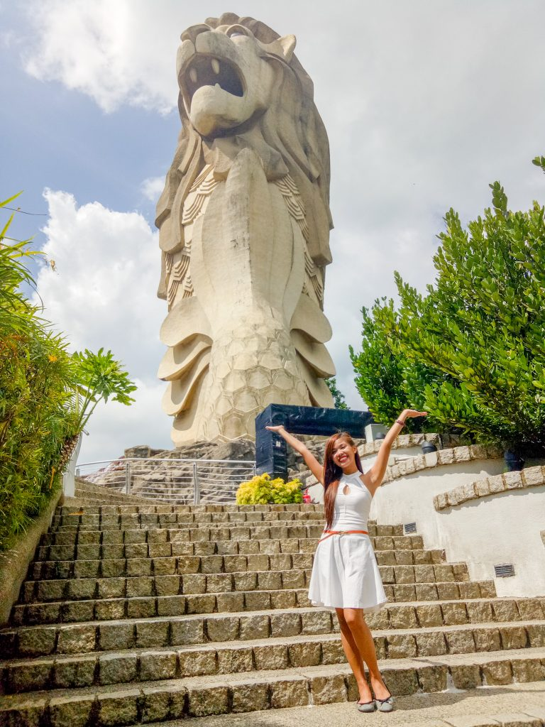 "ALT=""singapore travel guide and the merlion statue at universal studio"""