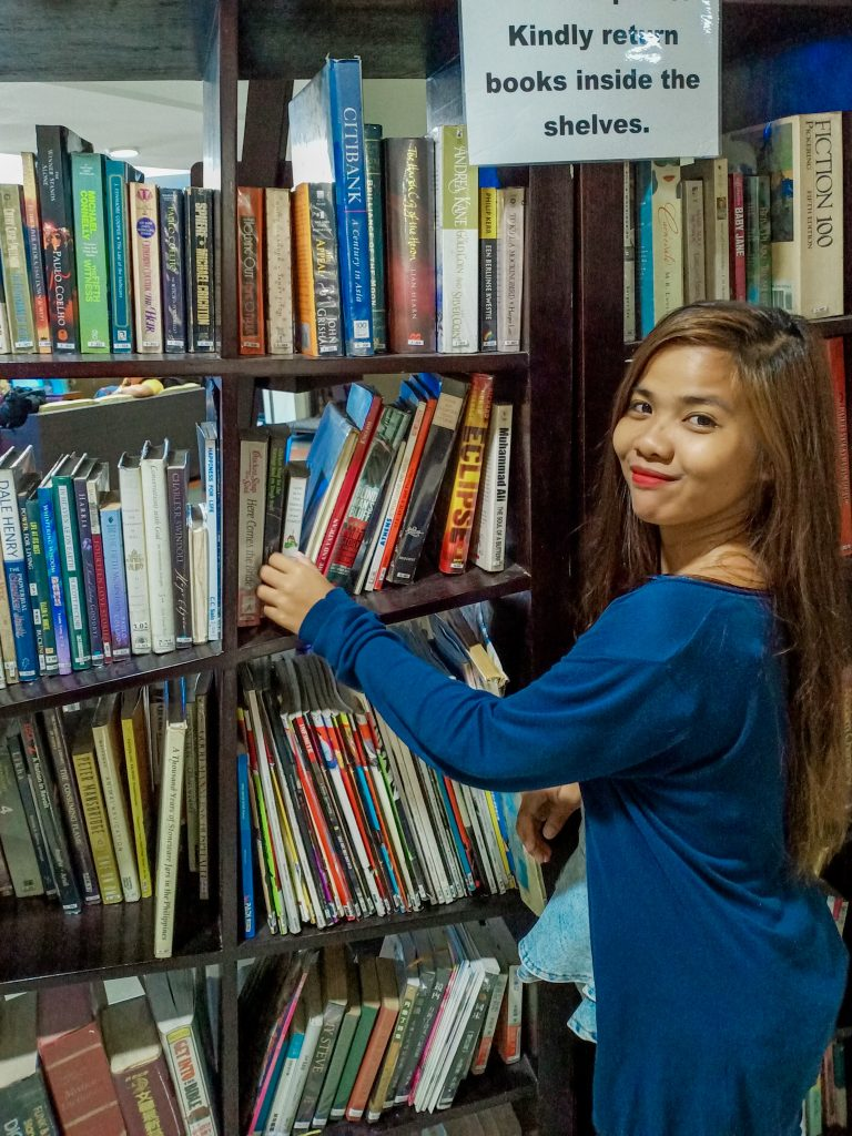 """ALT=""""the library part of the lobby area of the resort in cebu"""""""