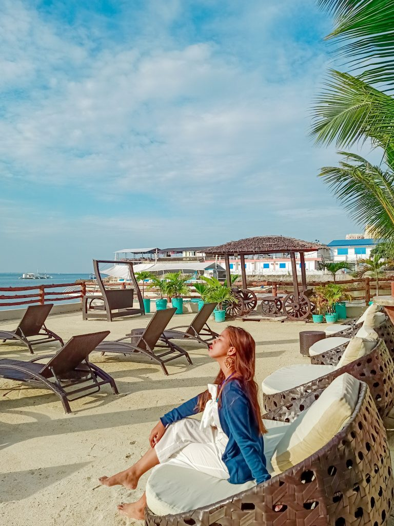 """ALT=""""palmbeach resort & spa and the beach front view in mactan island"""""""