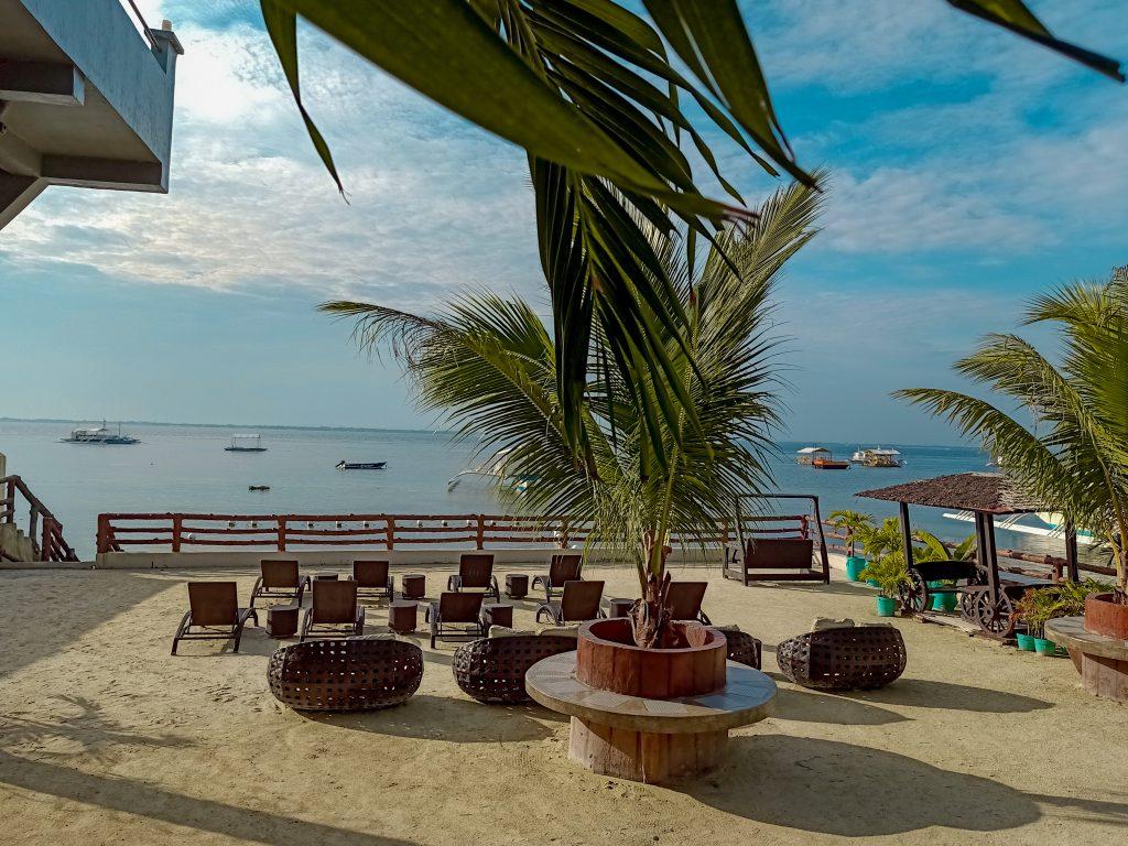 """ALT=""""affordable resort in mactan cebu"""""""