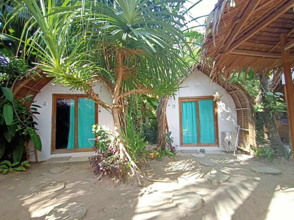 """ALT=""""yay lodge where to stay in siargao island"""""""
