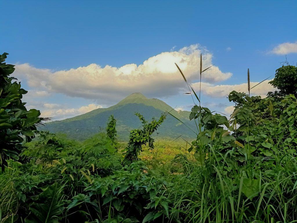 "ALT=""overlooking view of mountain iraya"""