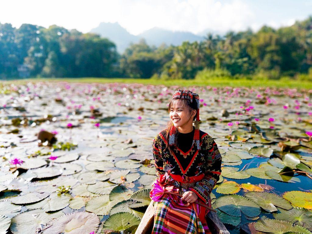 "ALT=""lake sebu traditional clothing sox"""