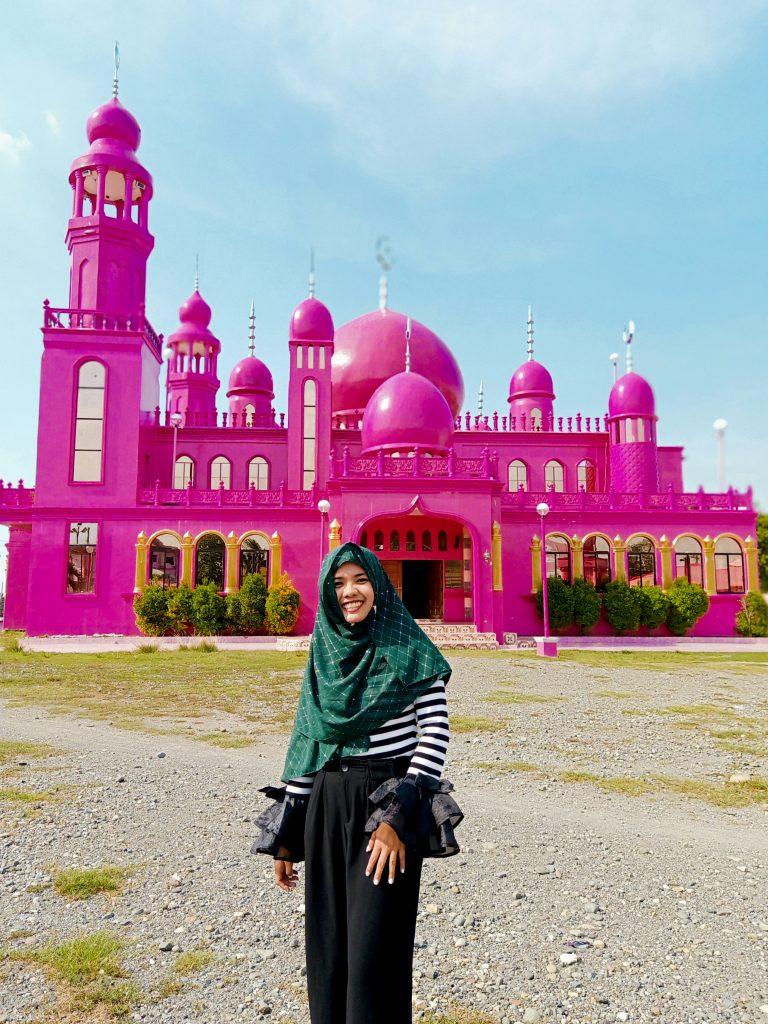 """ALT=""""soccksargen diy backpacking pink mosque"""""""