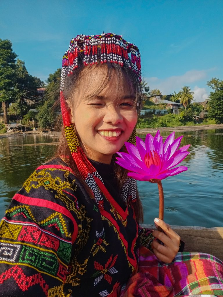 "ALT=""tboli traditional costume lake sebu"""