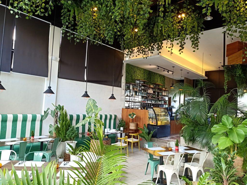 """ALT=""""farm hills garden tagaytay restaurant"""""""