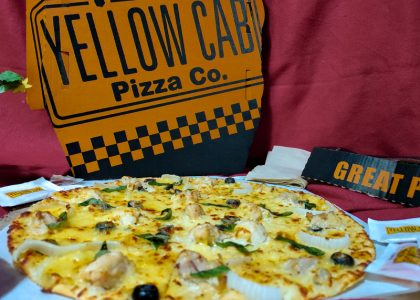 new yellow cab chicken alfredo pizza
